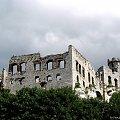 Podzamcze - zamek Ogrodzieniec z XIV w. Jura krakowsko-częstochowska. #Ogrodzieniec #Podzamcze #jura #krakowsko #częstochowska #widok #krajobraz #Polska #historia #lezajsktm #zamek #zamki #zabytki #ruiny