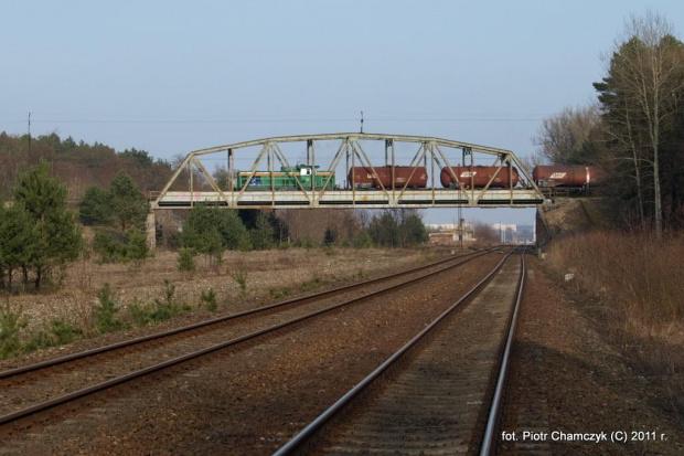 15.03.2011 wiadukt nad Ostbahnem w okolicach Piły. Stonka ze zdawką do Wałcza. #kolej #Piła #zima