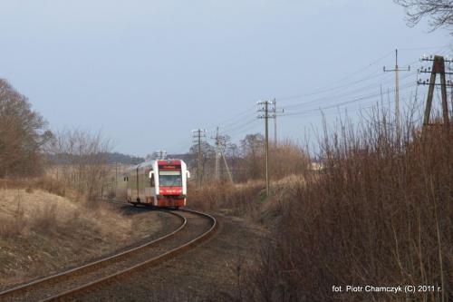 Szlak Piła Północ - Wałcz. Okolice Szydłowa. SA132-001 jako regio Wałcz - Piła Główna. 21.03.2011 r. #kolej #Wałcz #Piła #wiosna #PKP