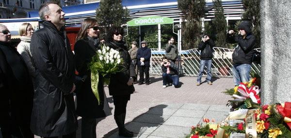 DelegacjaTeatru Powszechnego z dyrektor Ewą Pilawską