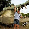 Figurka przed farmą krokodyli #afryka #kenia #tropik #krokodyl #FarmaKrokodyli #mombasa