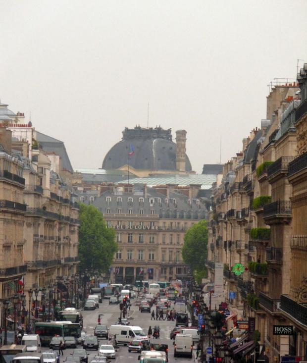 Widok z tarasu Opery na Place André Malraux i Hotel #Paryż