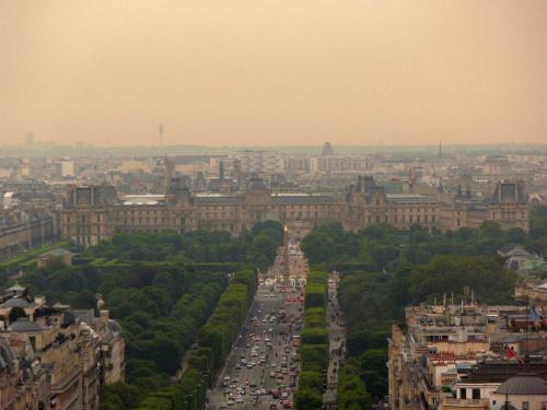 Luwr - widok z Łuku Triumfalnego #Paryż