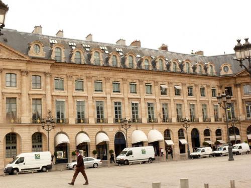 Plac Vendome - wybudowany przez wersalskiego architekta w ostatnich latach panowania Ludwika XIV #Paryż