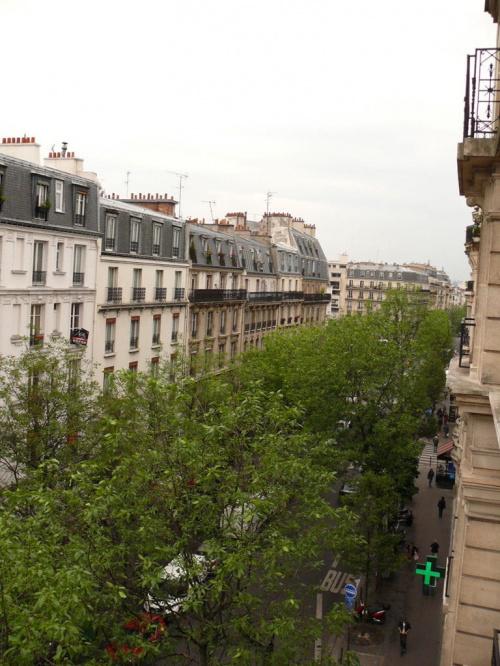 Dachy Paryża - widok z naszego mieszkania #Paryż