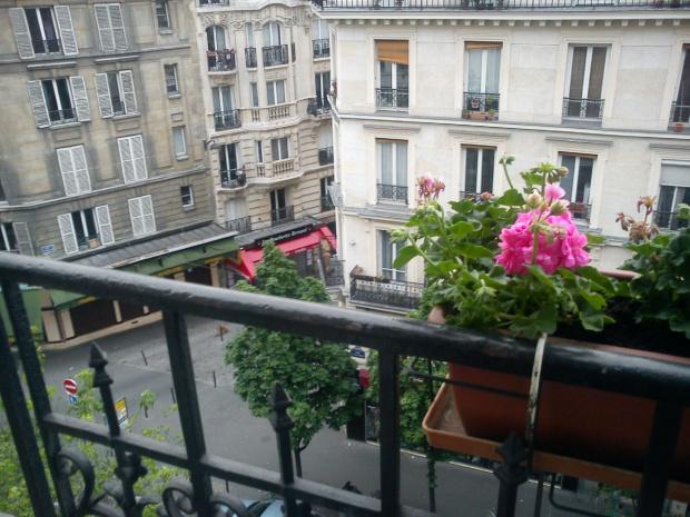 Widok z naszego mieszkania #Paryż