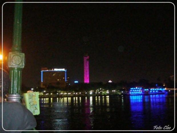 Spojrzenie na drugi brzeg Nilu.