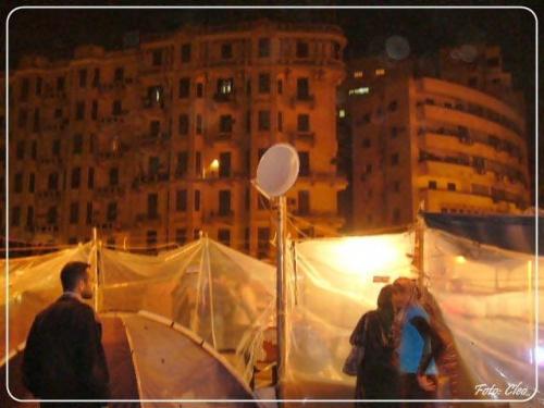 Namioty rewolucjonistow stoja wszedzie.