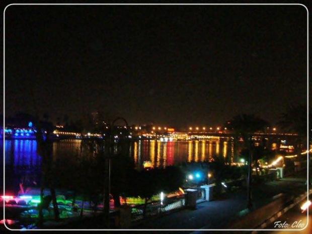 A tutaj spokoj... Nil dalej plynie jak przed tysiacami laty...