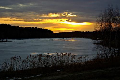 przy sobocie, po robocie, spacerek nad zalewem :) #zima #zalew #ZachódSłońca
