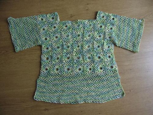 sweterki zrobione na szydełku
