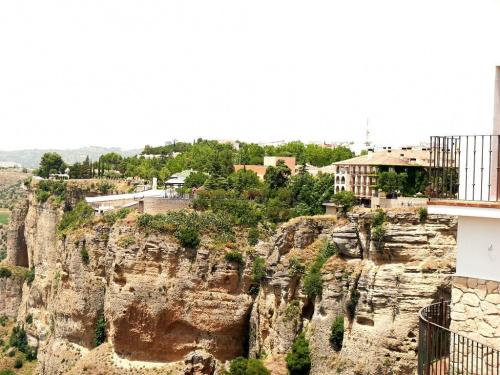 Ronda - miasto w prowincji Malaga położone po obu stronach wąwozu rzeki Guadalevín #Andaluzja