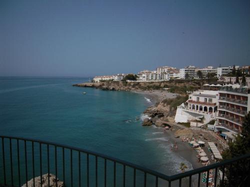 Nerja - widok z Balkonu Europa w kierunku Torrox #Andaluzja