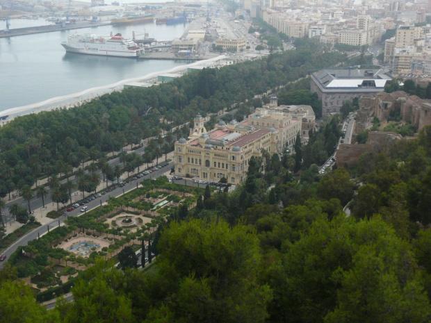 Malaga - widok na Ratusz z Zamku Gibralfaro #Andaluzja