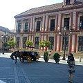Sewilla - Plaza Virgen de los Reyes - romantyczne dorożki #Andaluzja #Sewilla