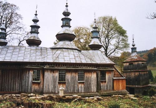 Komańcza - cerkiew pw. Opieki Matki Bożej, niestety już nieistniejąca #Komańcza #CerkiewDrewniana #SzlakArchitekturyDrewnianej