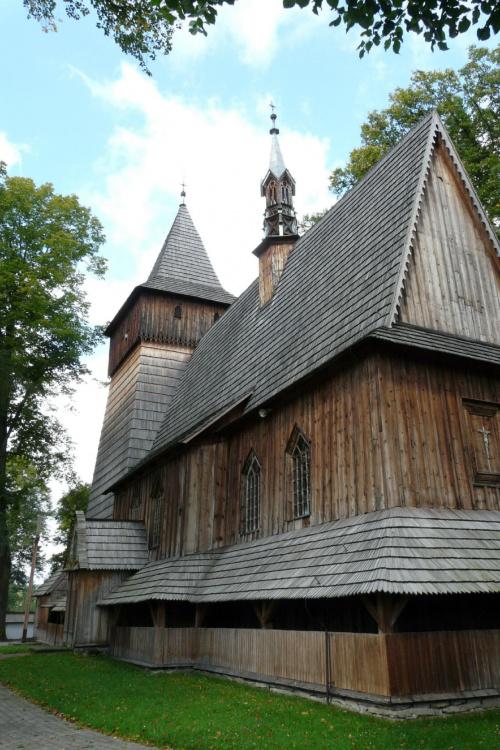 Harklowa - kościół pw. narodzenia Najświętszej Marii Panny #Harklowa #KościółDrewniany #SzlakArchitekturyDrewnianej