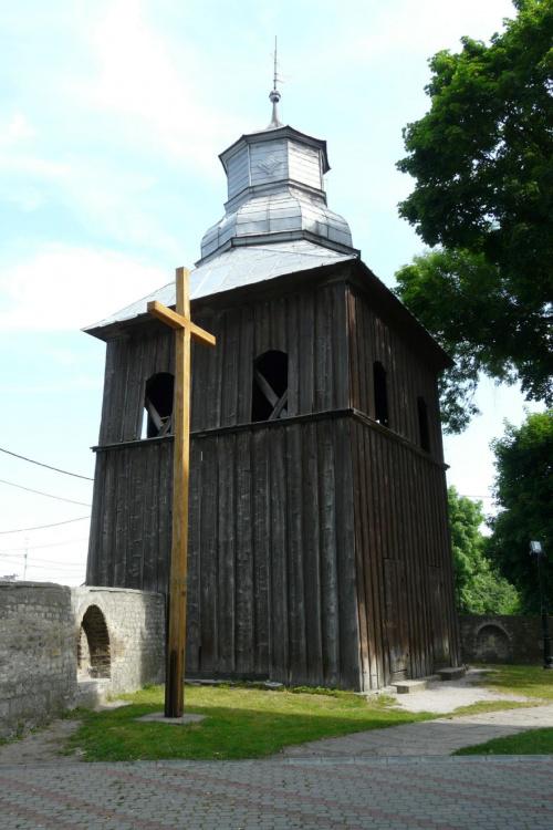 Książ Wielki - dzwonnica kościoła św. Wojciecha #KsiążWielki #KościółDrewniany #SzlakArchitekturyDrewnianej