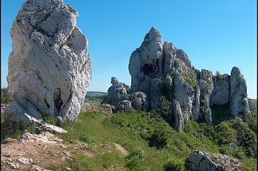 Skały obok zamku Ogrodzieniec