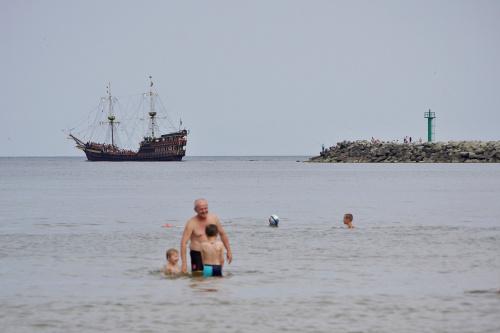 #morze #statek #Bałtyk #kąpiel #wakacje