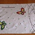 serweta wykonana haftem płaskim #HaftPłaski #rękodzieło #serweta #motyle #motylki #KoloroweMotylki