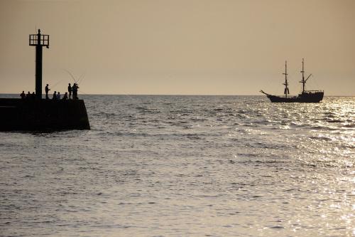 #Bałtyk #morze #Darłówko #wędkarze #statek #falochron #port