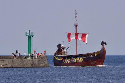 #port #morze #Bałtyk #Darłówko #statek #falochron
