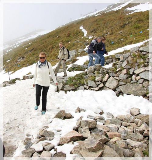 Wczoraj(10-tego) był na Kasprowym śnieg...Było cieplutko i dziś go już nie ma...;)