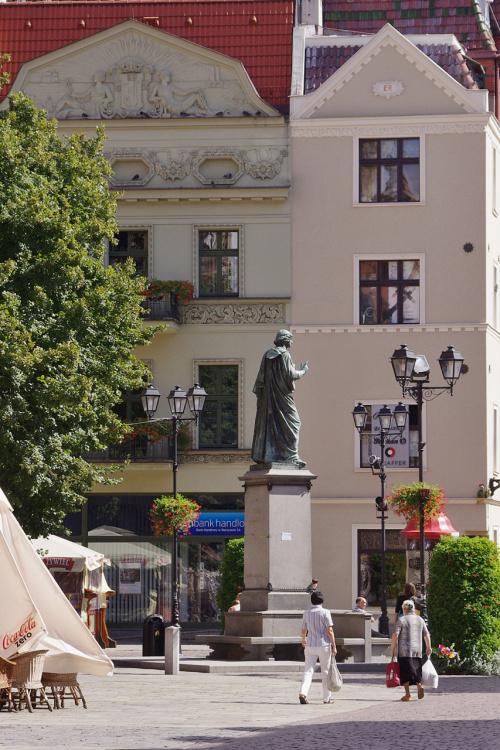 Toruń i najbardziej znany torunianin :) #Toruń