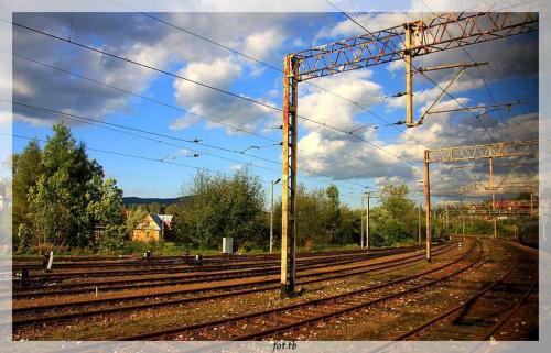 """""""Wsiąść do pociągu, byle jakiego..."""" Ten był do Zakopanego...Pozdrawiam."""