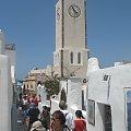 Oia wąskie uliczki i w maju stosunkowo mało turystów -Santorini #Kreta #wyspa #Santorini #wyprawa #natura #mozre #ocean #zatoka #port #domy #biale #kolory #romantycznie