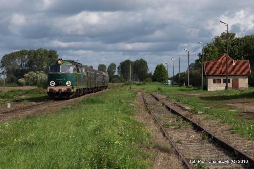 SU45-147 w Ujściu w dniu 19.09.2010 #kolej #SU45 #Piła #Ujście #pociąg