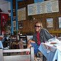Matala , tawerna Eleni i przemiły lecz lekko już naćpany Pan hipis #Matala #Kreta #groty #katakumby #morze #hipisi #plaża #słońce