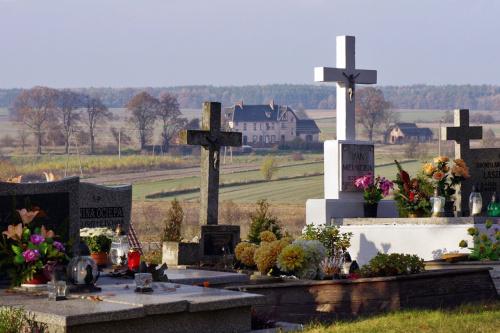 wersja poprawiona- bez gałązki :) #cmentarz #Lubięcin