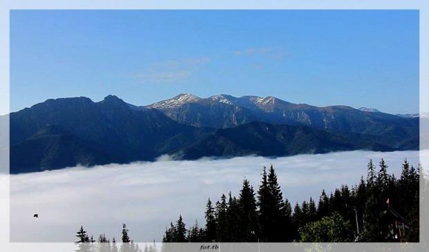 Nad Zakopanem chmurki, na Gubałówce taki widok...