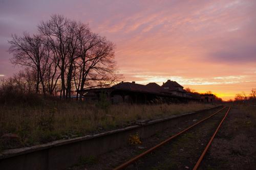 poranna odsłona lubskiego eks- dworca #Lubsko #rano #niebo #jesień