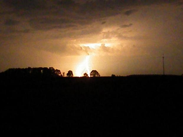 póki nie padało była daleko----później musiałam zwijać się #błyskawica #burza #piorun