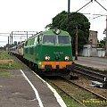 SU45-089 wjeżdża z połączonymi składami pociągów Doker i Krakowianka z Kołobrzegu do Katowic i Krakowa. #katastrofa #kolej #lato #objazdy #Piła #SU45 #PKP