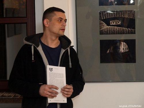 Wernisaż wystawy Suwalskiej Grupy Twórczej - Mistyka Bunkrów - galeria PAcamera - 3 grudnia 2010 #Wernisaż #wystawa #SuwalskaGrupaTwórcza #MistykaBunkrów #GaleriaPAcamera