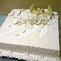 tort weselny z gołąbkami ( biały ) #tort #wesele #kościół #imprezka